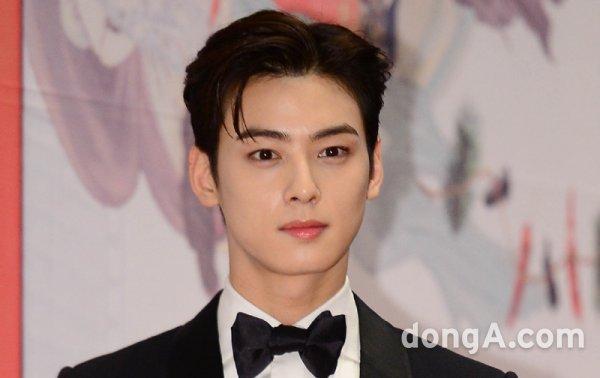 astro-cha-eunwoo-considering-lead-role-for-upcoming-drama-true-beauty-2