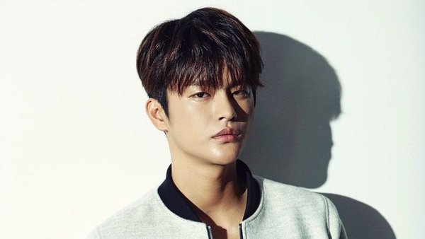 seo-in-guk-decides-to-leaves-the-movie-hip-daddy-1