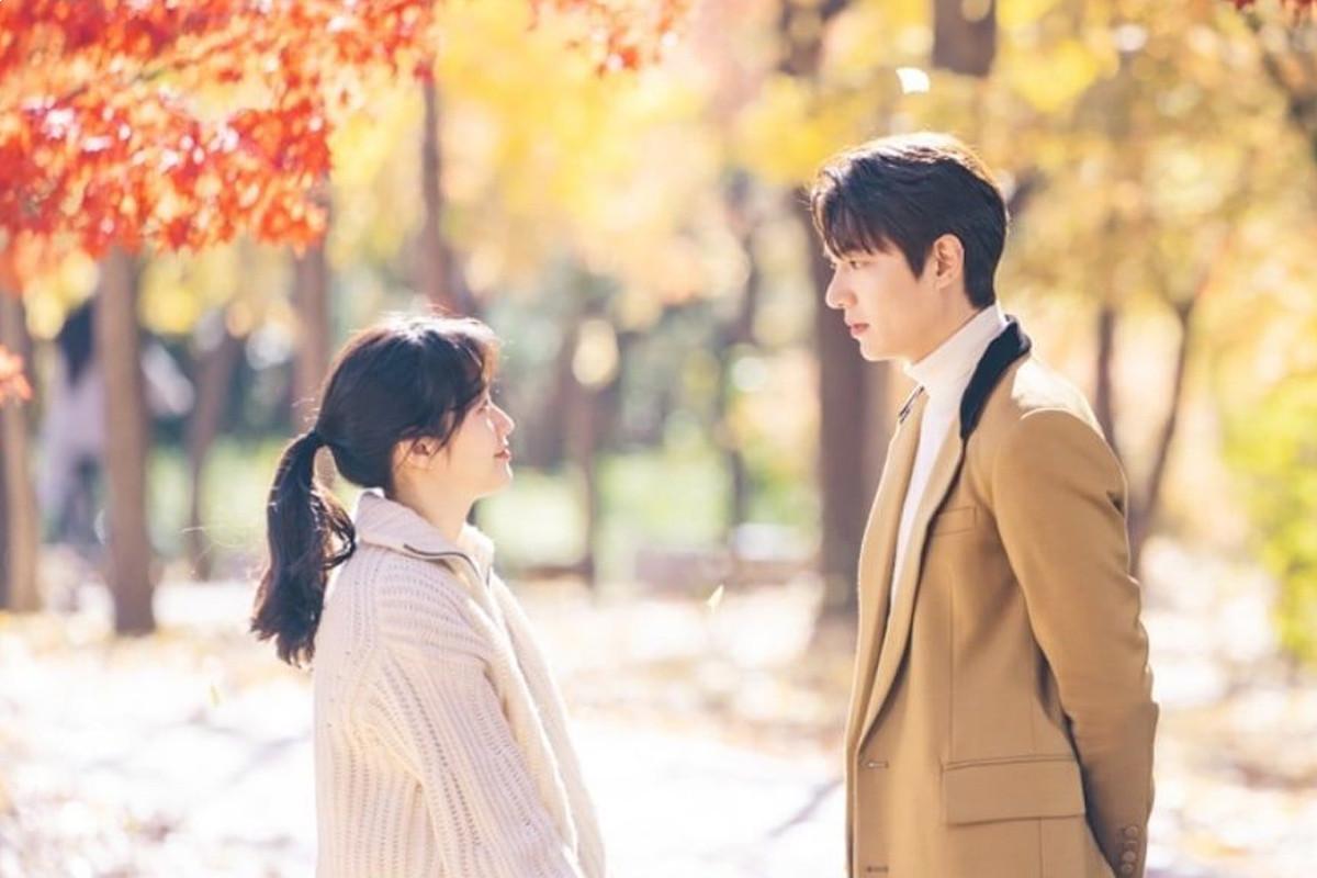 "Lee Min Ho And Kim Go Eun Share a sneak peek of a magical scene In ""The King: Eternal Monarch"""