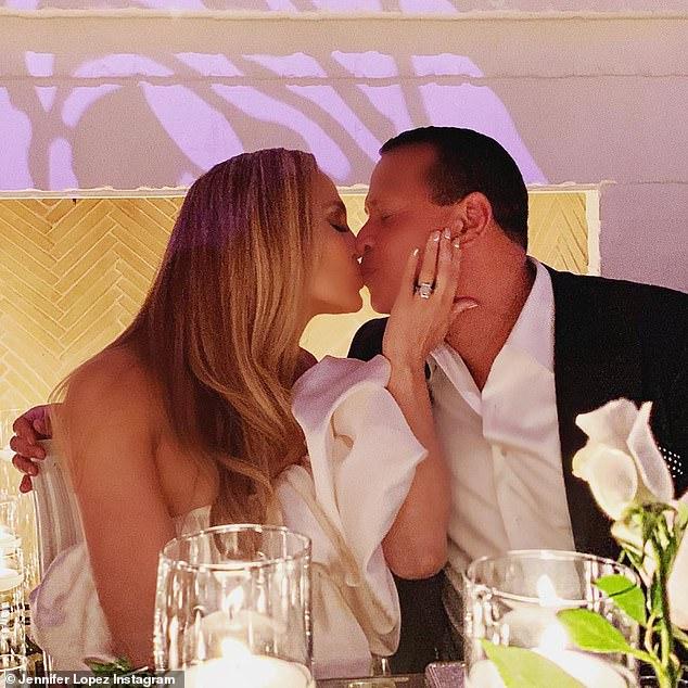 jennifer-lopez-and-alex-rodriguez-postpone-wedding-due-to-coronavirus-3