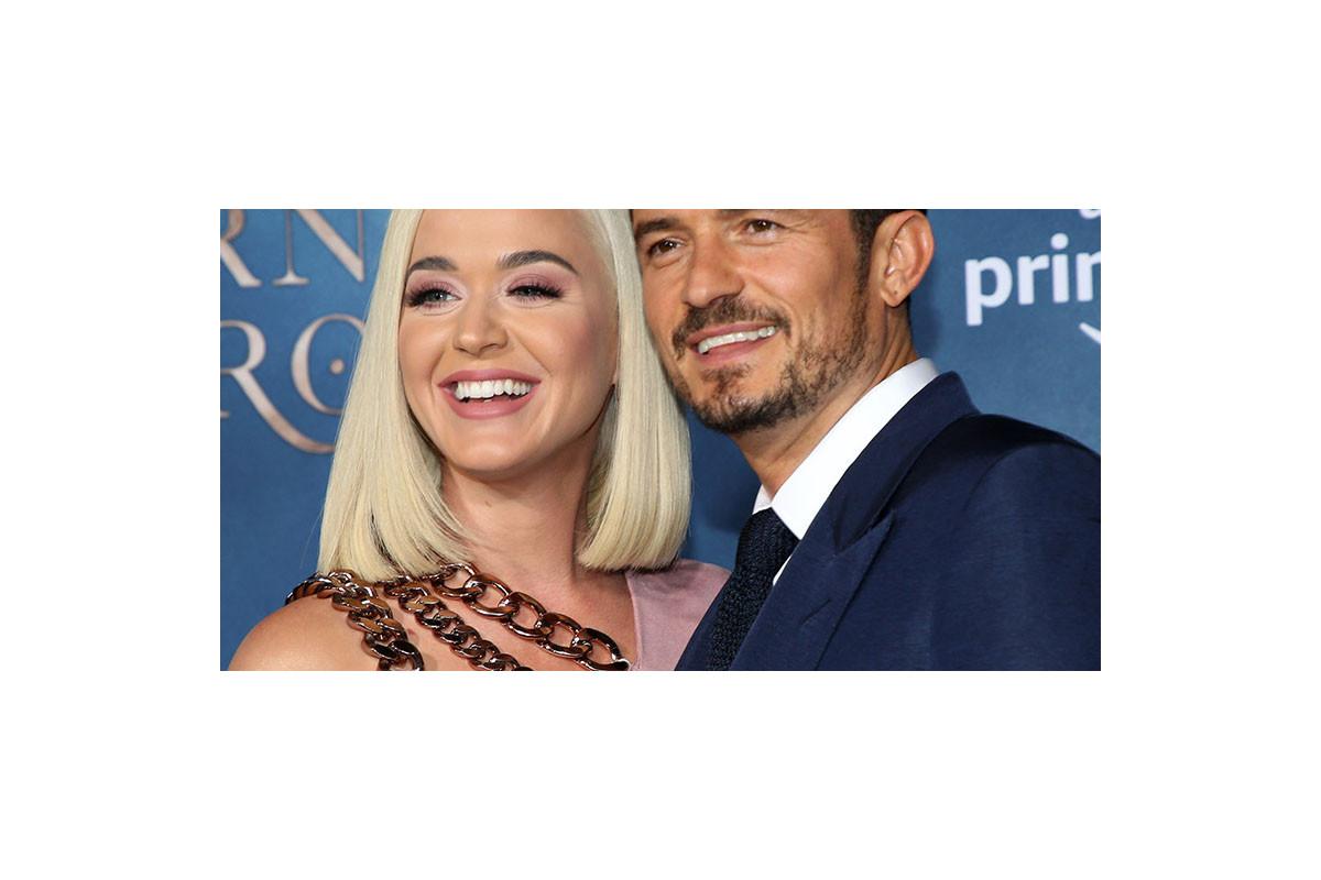 """Katy Perry wears Orlando Bloom-printed onesie on """"Good Morning America"""""""