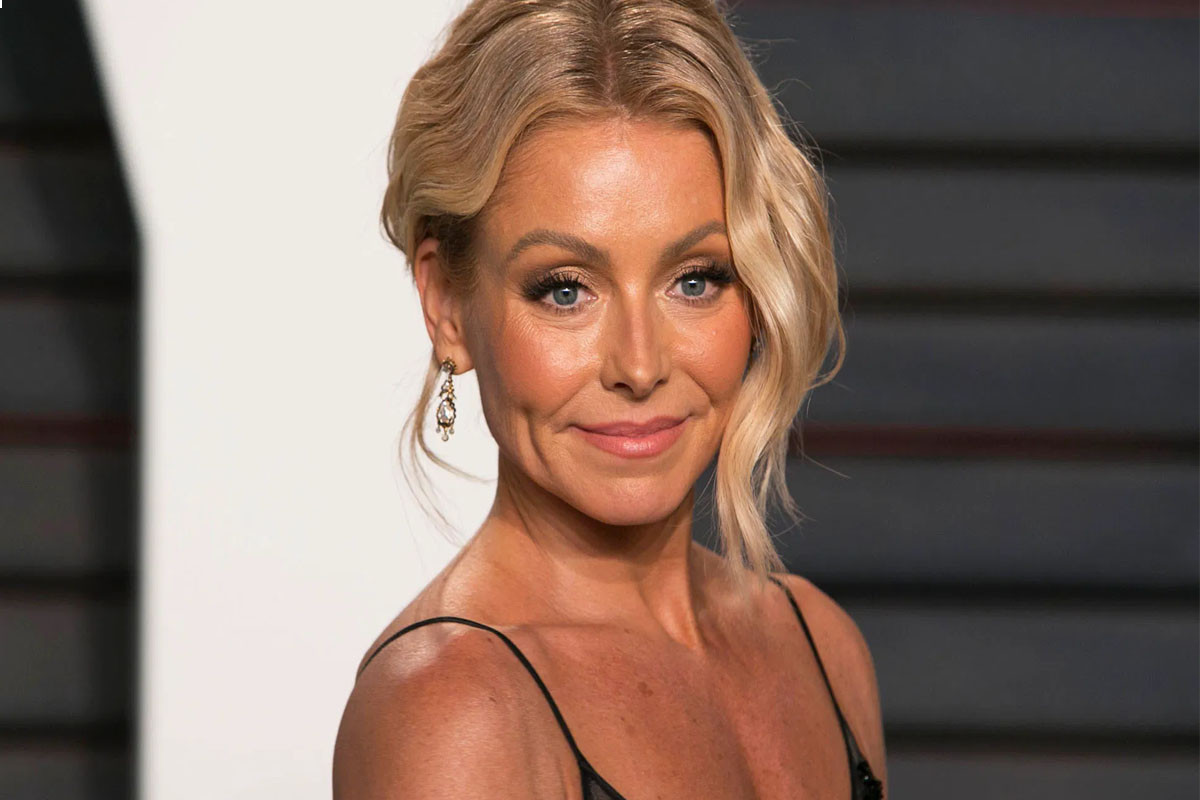 """Kelly Ripa claps back at critics of her on-air appearance: """"How dare you"""""""