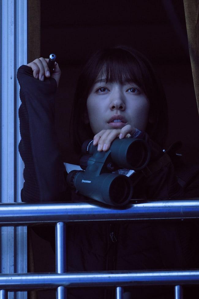alive-reveals-park-shin-hye-yoo-ah-in-zombie-hiding-photos-5
