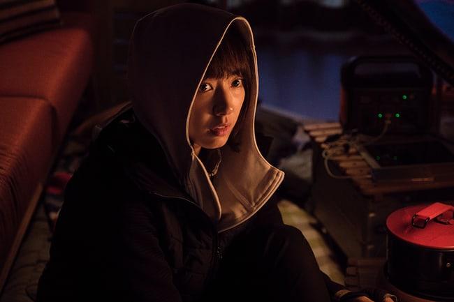 alive-reveals-park-shin-hye-yoo-ah-in-zombie-hiding-photos-6