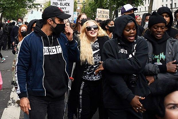 black-lives-matter-madonna-protests-on-crutches-2