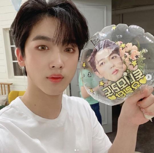 kim-yo-han-model-cosmetic-brand-1