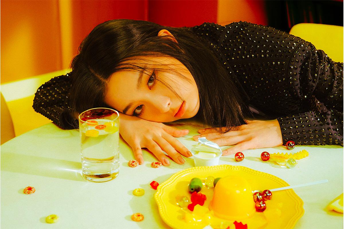 Seulgi shows off her eye chic through 'Monster' teaser