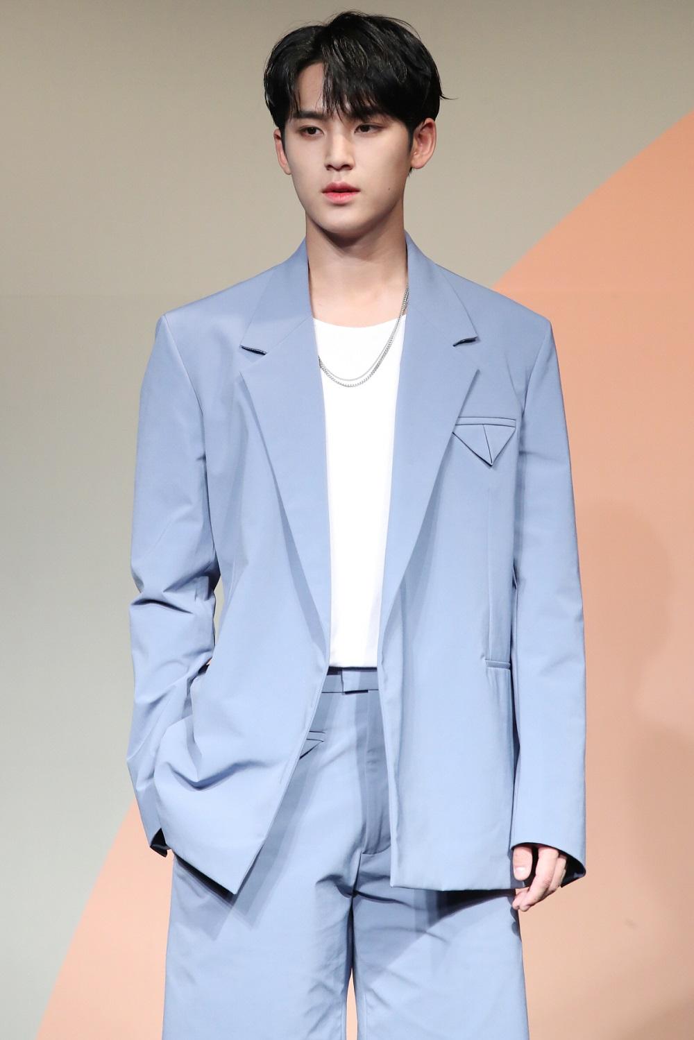seventeen-mingyu-apologizes-again-at-henggarae-showcase-for-itaewon-controversy-2