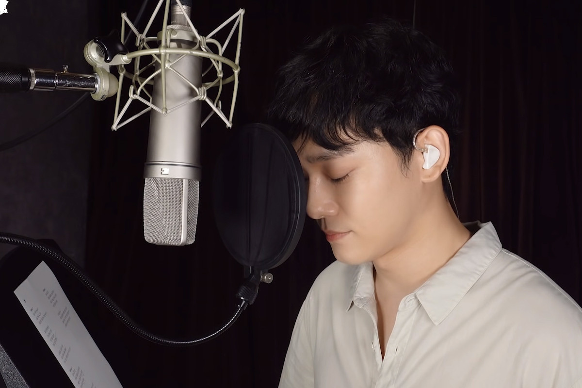 EXO Chen shakes Internet with new cover of Park Hyo Shin's song on YouTube
