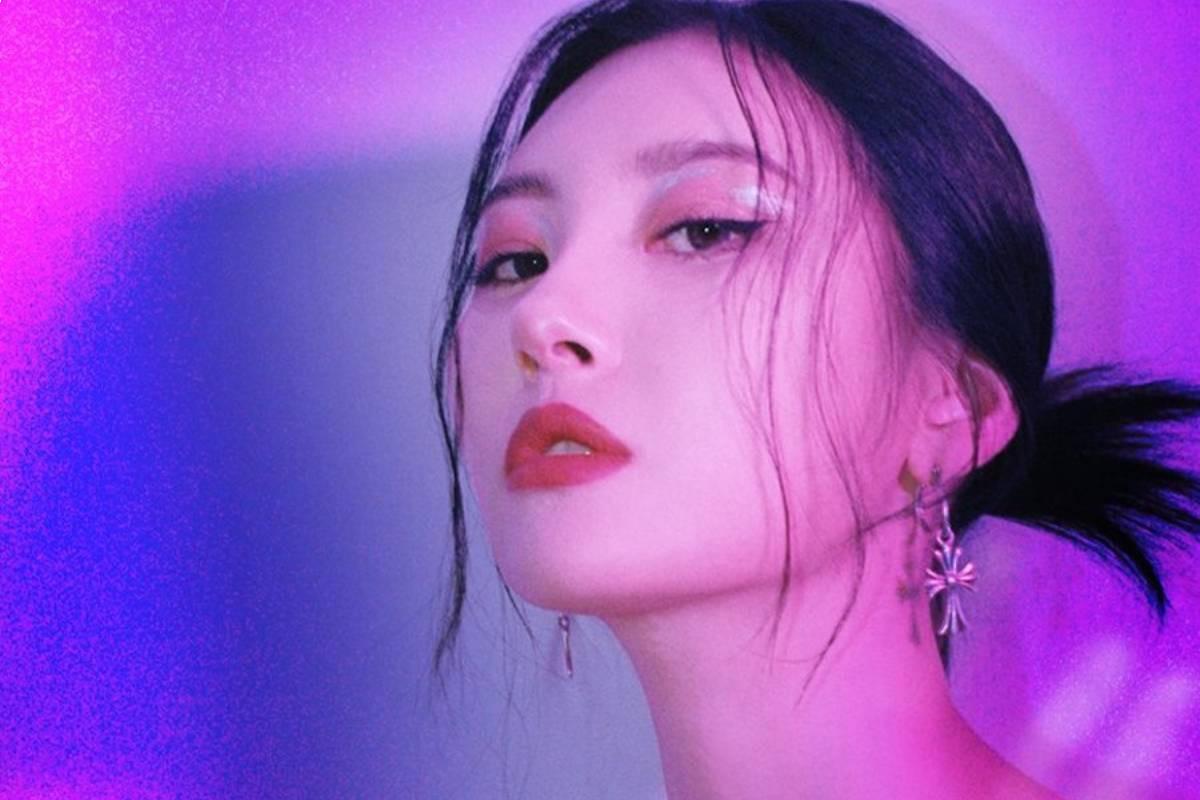 SUNMI reveals her 1st teaser for her comeback