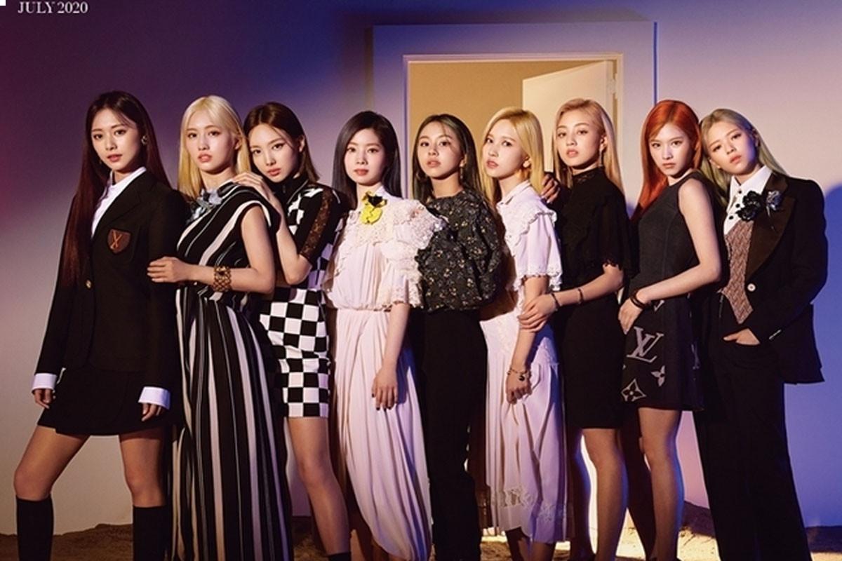 TWICE's 9 members simultaneously appear in cover of Harper's Bazaar