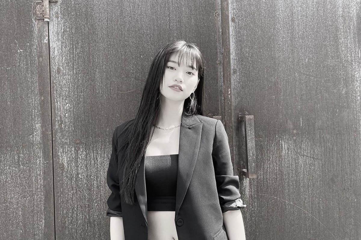 Weki Meki's Kim Doyeon overwhelms by amazing charisma in latest post
