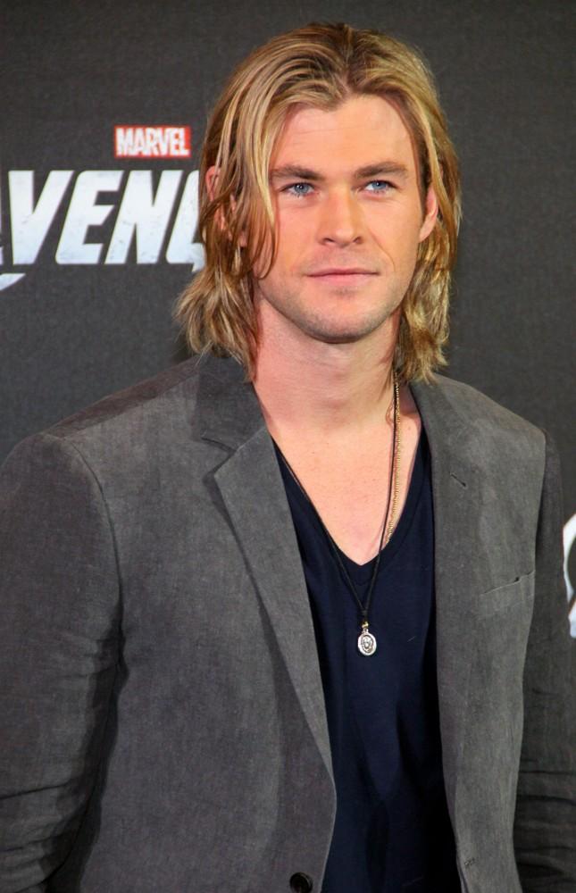 Top-7-Hollywood-actors-look-hotter-in-long-hair-10
