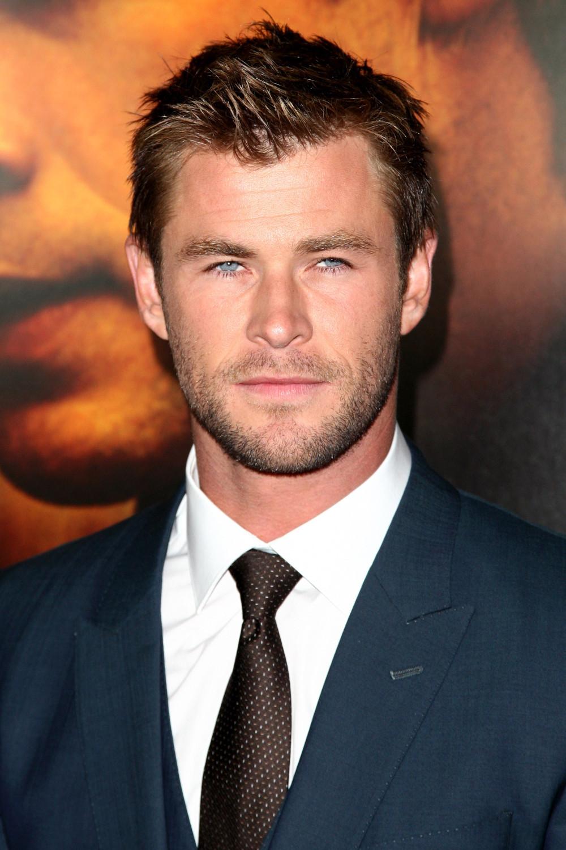 Top-7-Hollywood-actors-look-hotter-in-long-hair-11