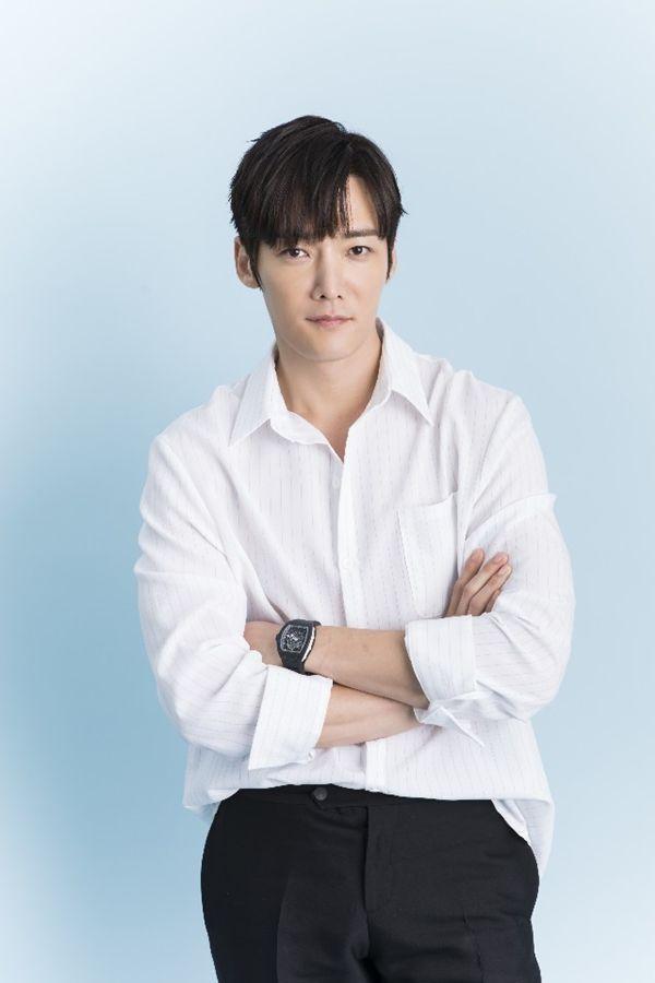 choi-jin-hyuk-park-ju-hyun-zombie-drama-1