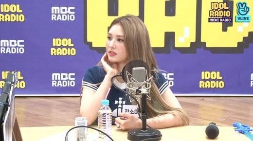 somi-support-of-lisa-jisoo-comeback-1