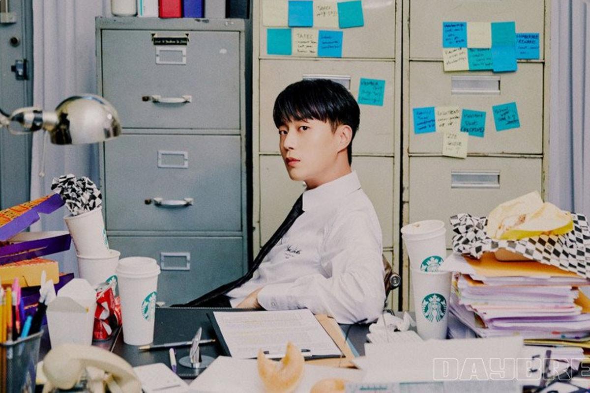 Highlight's Yoon Doojoon reveals concept photos for mini-album 'Daybreak'