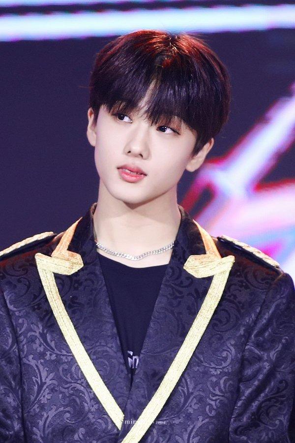 3-male-idols-deemed-the-future-of-k-pop-by-idol-trainer-3