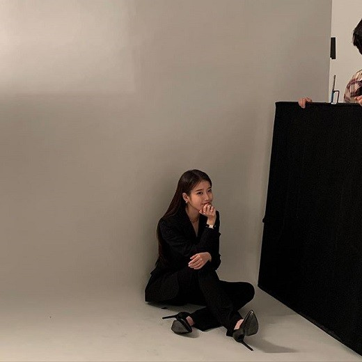 iu-unique-chic-beauty-as-master-of-pictorial-6