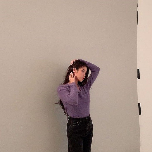 iu-unique-chic-beauty-as-master-of-pictorial-8