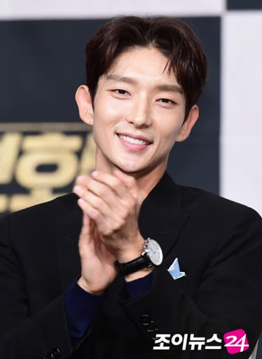 kim-soo-hyun-tops-august-brand-reputation-rankings-for-actors-and-actresses-3
