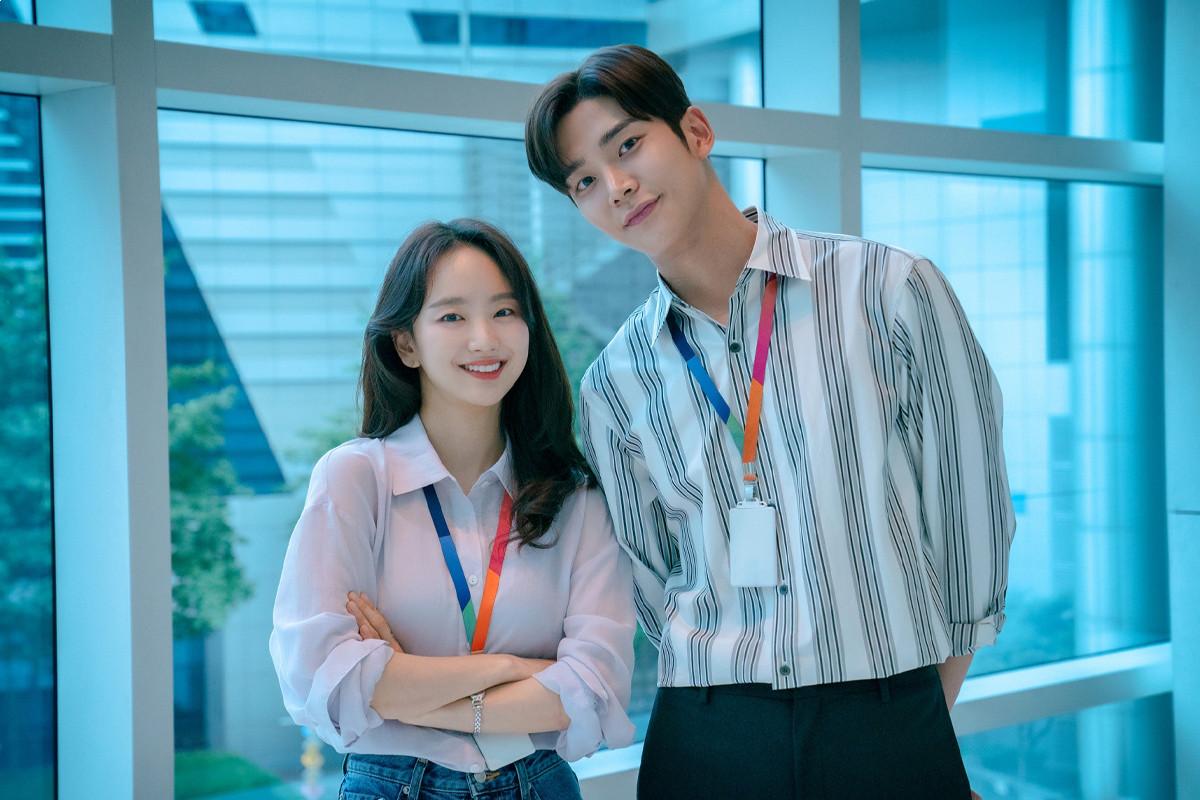JTBC unveils full cast for new drama 'Sunbae, Don't Put On That Lipstick'