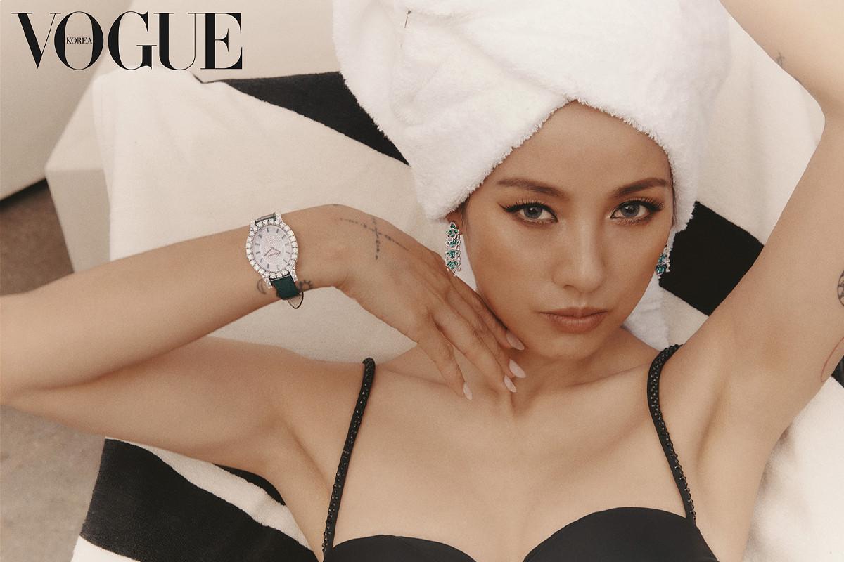 Lee Hyori looks stunning in new pictorials with VOGUE Korea