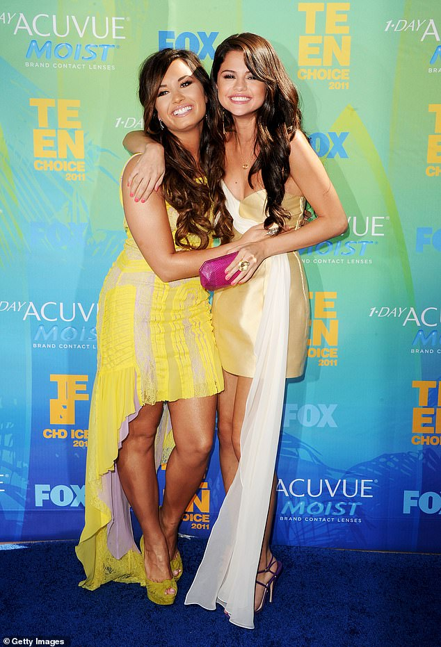 Demi-Lovato-and-Max-Ehrich-SPLIT-With-Max-Accusations-of-Sending-Thirsty-Messages-To-Selena-Gomez-5