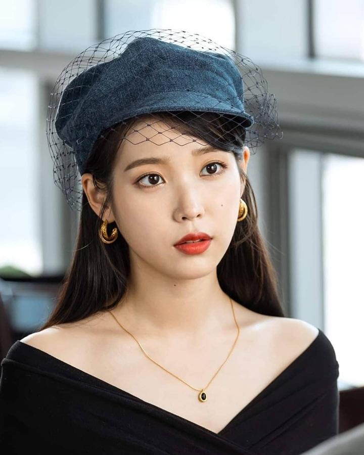 iu-donates-100-million-won-for-her-12th-anniversary-3