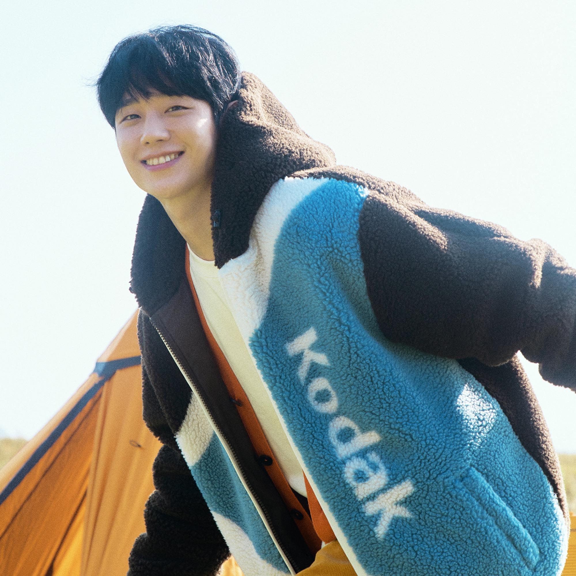jung-hae-in-selected-as-first-advertising-model-for-kodak-apparel-2