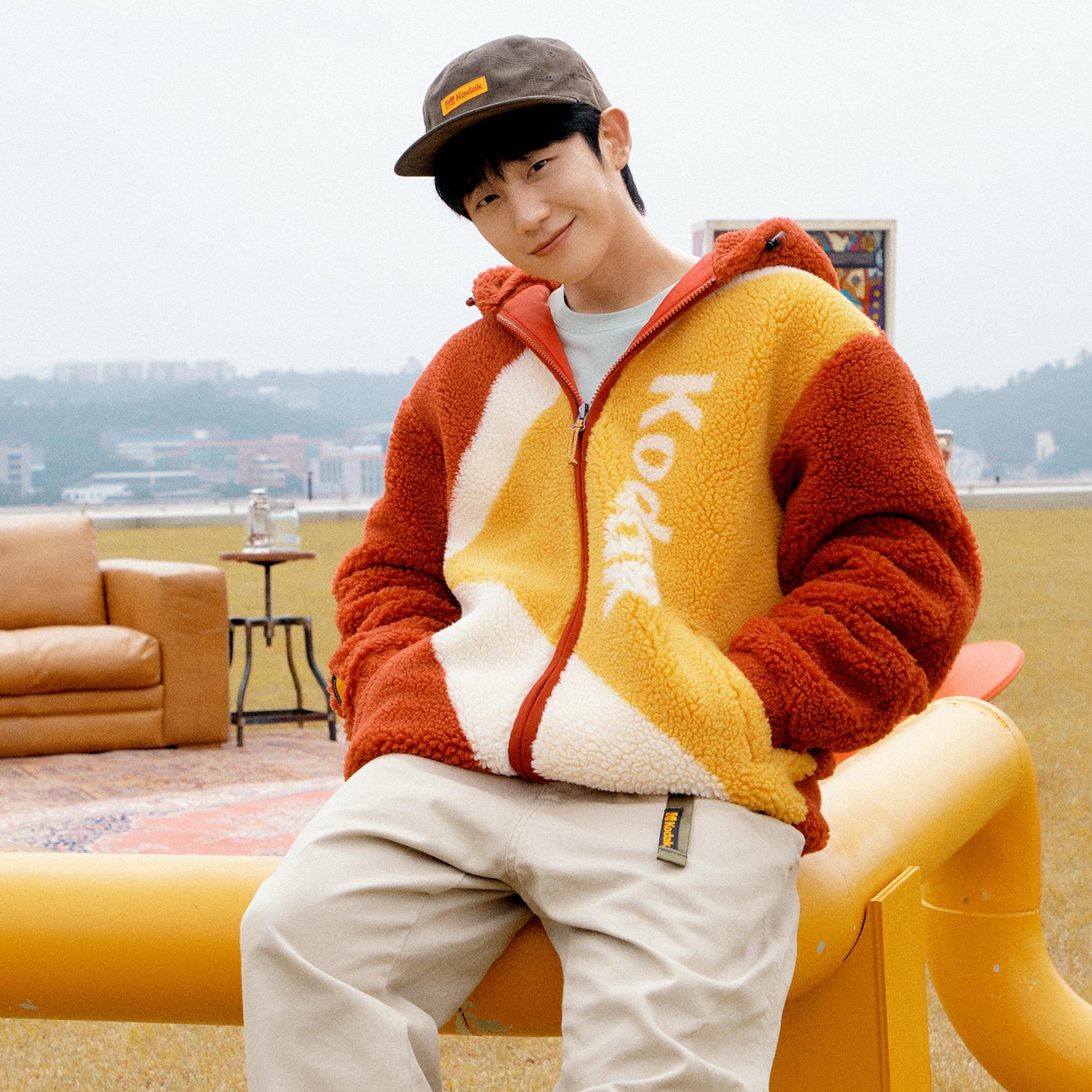jung-hae-in-selected-as-first-advertising-model-for-kodak-apparel-3