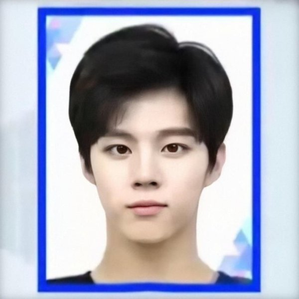 these-7-passport-photos-of-male-k-pop-idols-will-make-your-hearts-melt-2