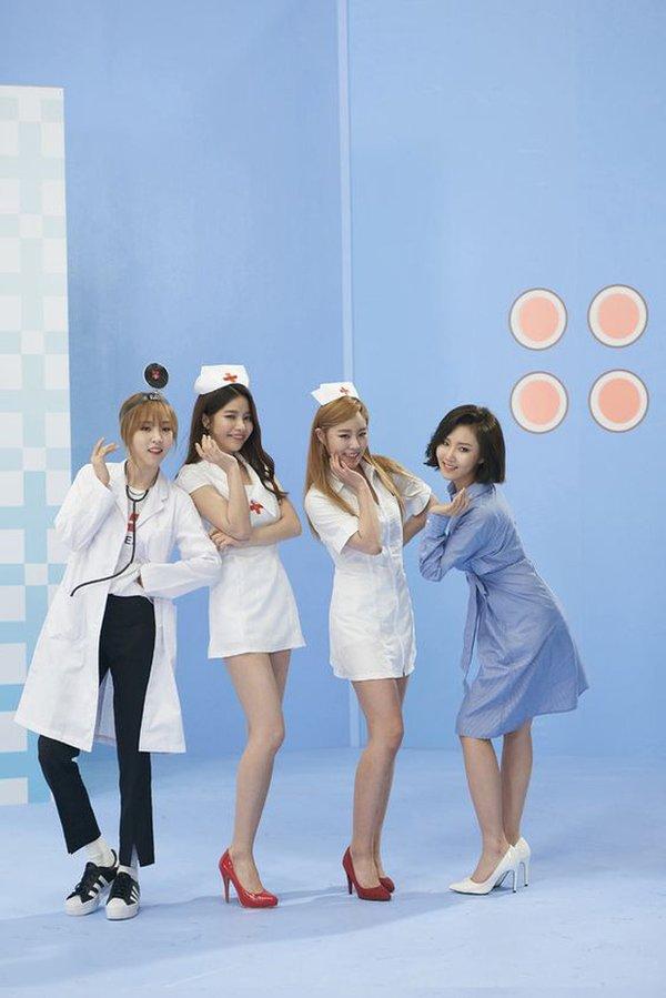 3-reasons-why-blinks-should-stop-criticizing-yg-for-deleting-jennies-nurse-scene-in-lovesick-girls-mv-05