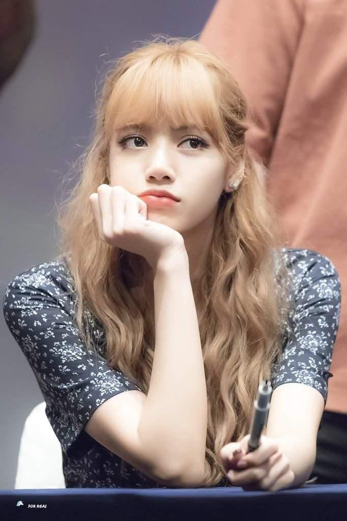 7-Beauty-Standards-For-K-Pop-Idols-Not-Appreciated-By-International-Fans-13