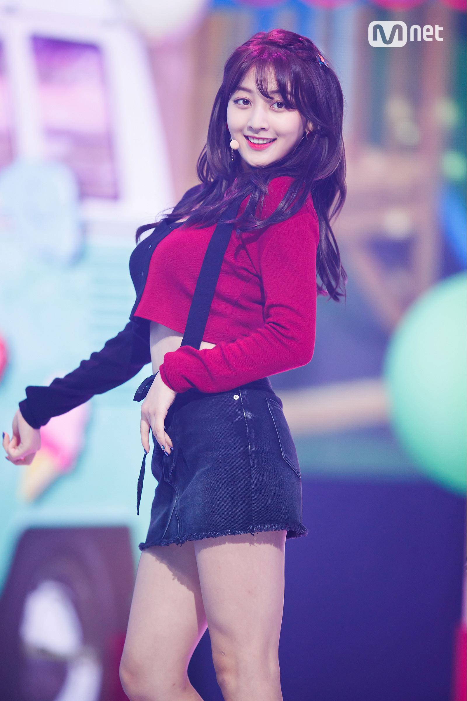 7-Beauty-Standards-For-K-Pop-Idols-Not-Appreciated-By-International-Fans-9