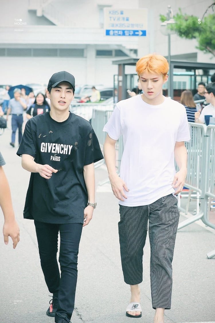 exo-sehun-and-hyungdeul-close-relationship-for-many-years-11