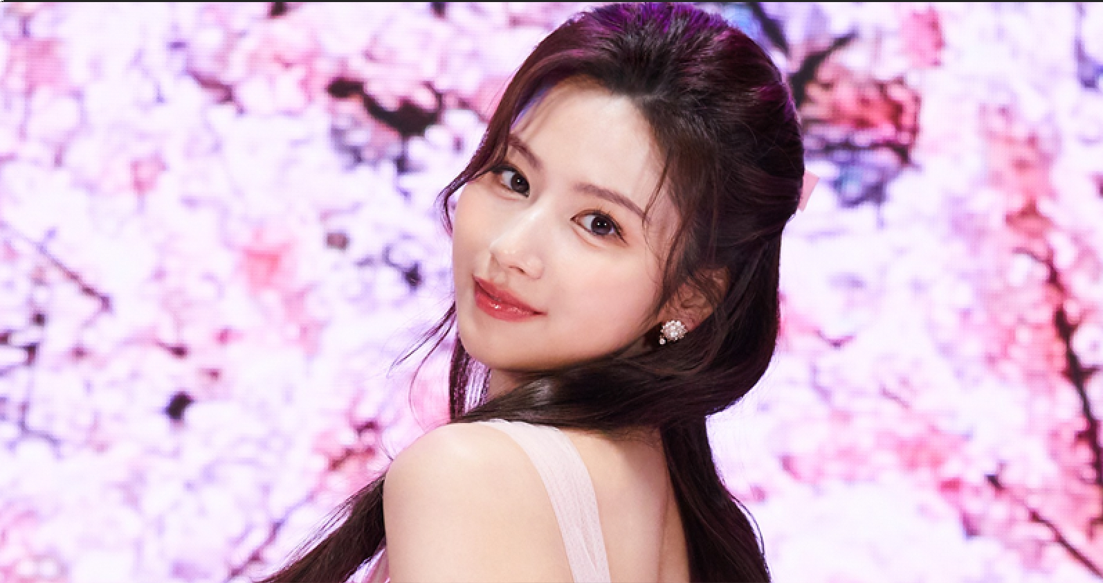 TWICE Sana Relationship — This is Why People Thought She Dated EXO Suho