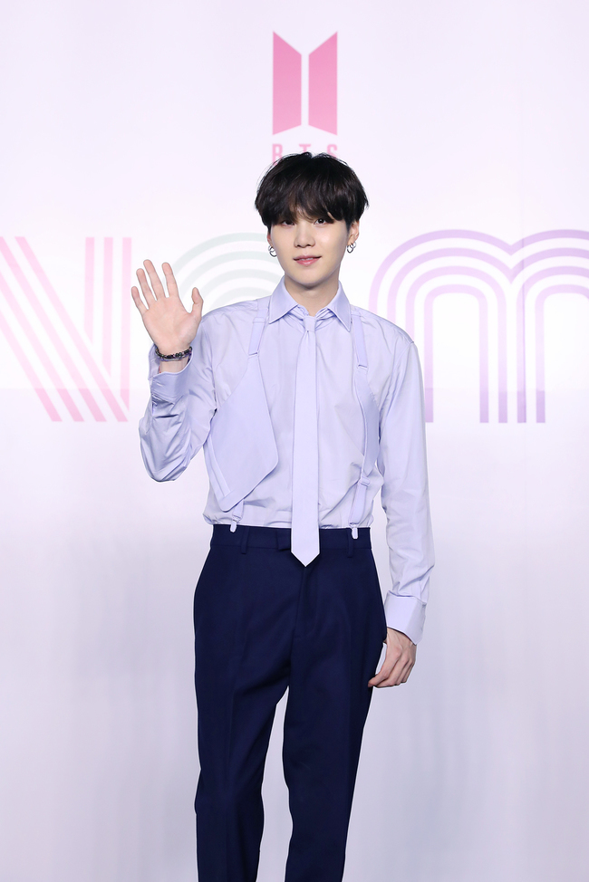 big-hit-confirms-bts-suga-will-appear-in-2021-new-years-eve-live-without-choreography