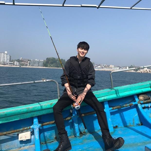 Nam thần điện ảnh mới đến từ YG Jang Ki Yong: Na ná Hyun Bin, trùng hợp sắp yêu Song Hye Kyo, nghi chen vào cặp đôi Reply 1988 - Ảnh 16.