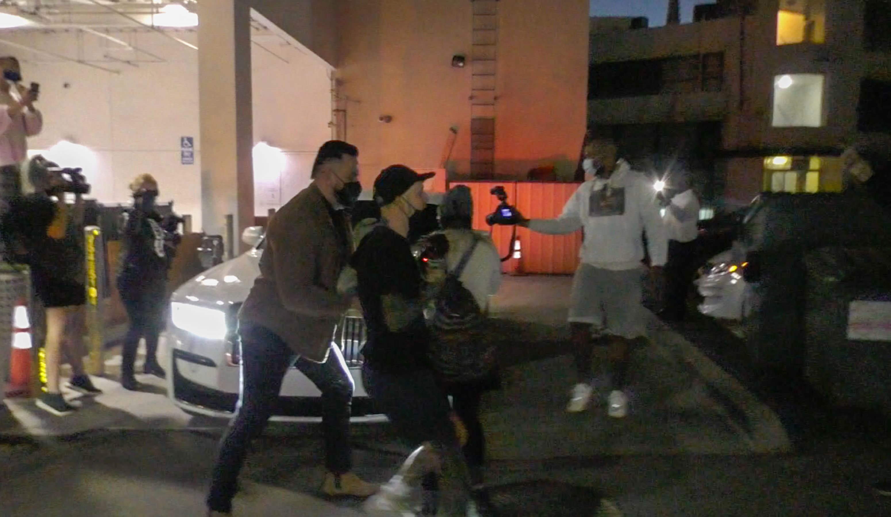 Kylie-Jenner-Was-Stopped-And-Called-A-Monster-By-The-Crowd-2