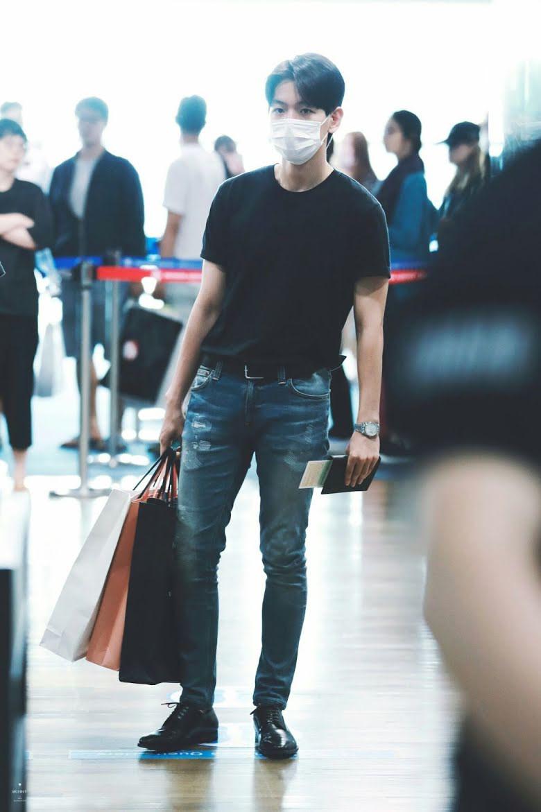 10-airport-outfits-exo-baekhyun-19