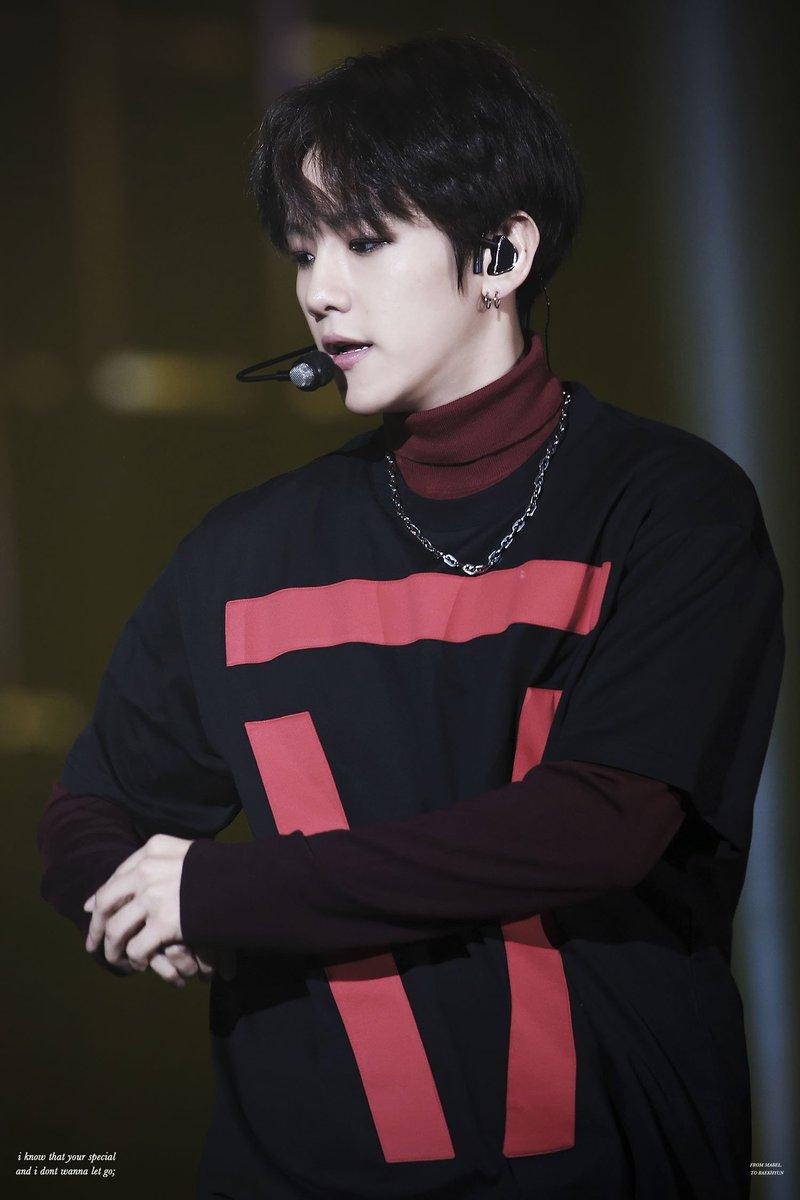 baekhyun-black-hair-7
