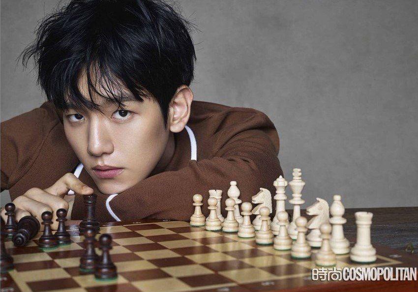 baekhyun-black-hair-11