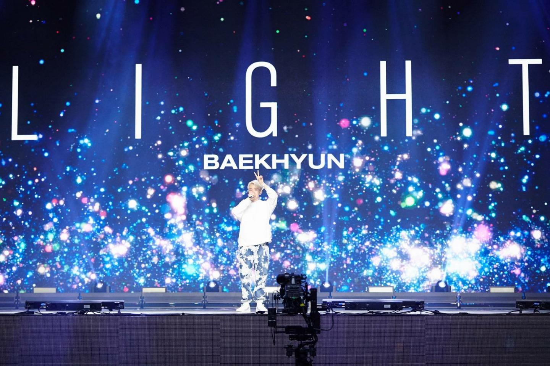baekhyun-solo-concert-2