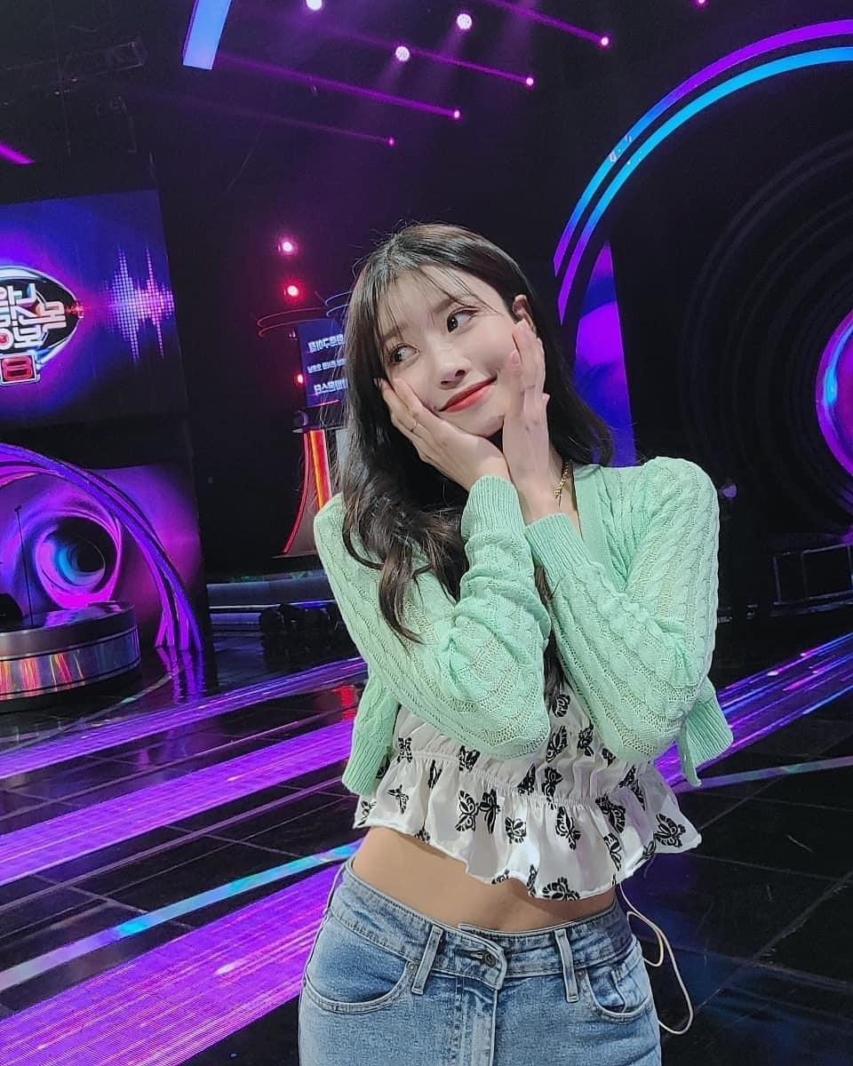 6 Female K-pop Idols Who Also Slay the 'High Teen' Fashion Aside BLACKPINK Jennie