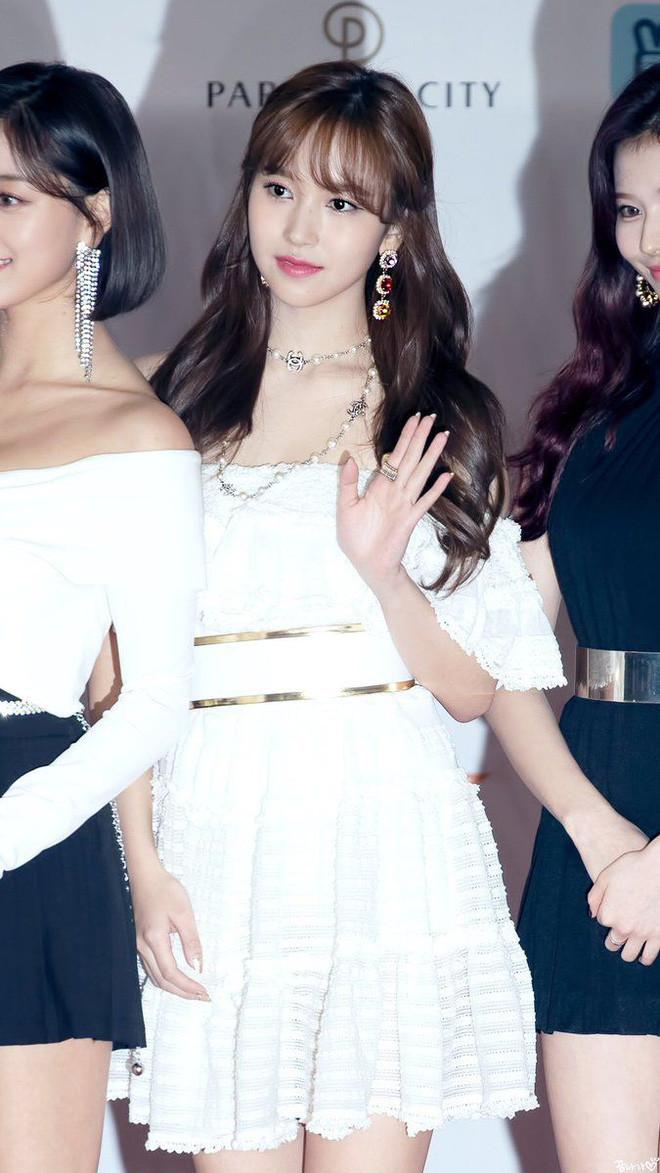 """Khí chất con nhà giàu của dàn mỹ nhân này sẽ làm bạn lóa mắt: Jennie thở thôi cũng thần thái, Seohyun xứng danh """"con gái tập đoàn Samsung"""" - Ảnh 8."""